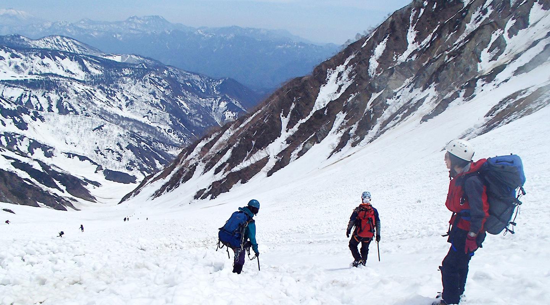 ゴールデンウィーク 雪山登山 北アルプス 白馬岳 大雪渓