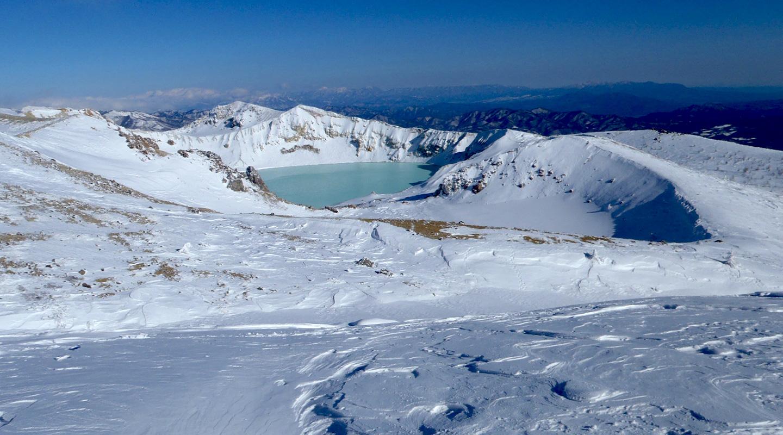 初級山スキー 草津白根山 湯釜