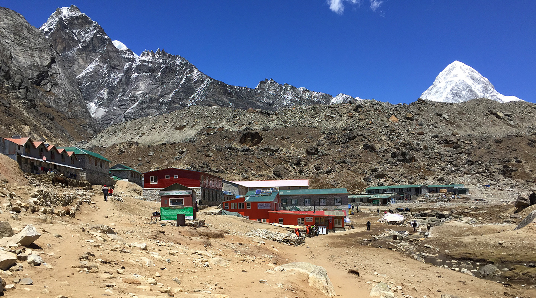 ネパール エベレスト街道 ロブチェ