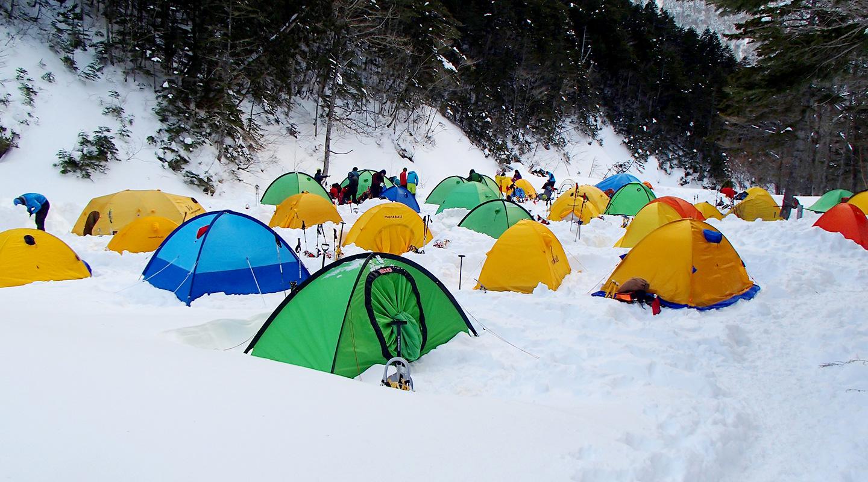 年末年始 雪山登山 南アルプス 北沢峠 テント場