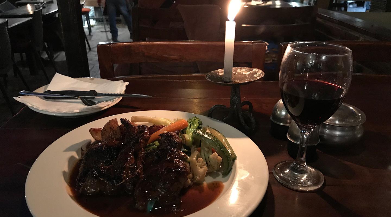 ネパール カトマンズ レストラン ニューオーリンズカフェ