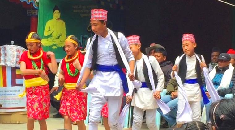 ネパール 子供