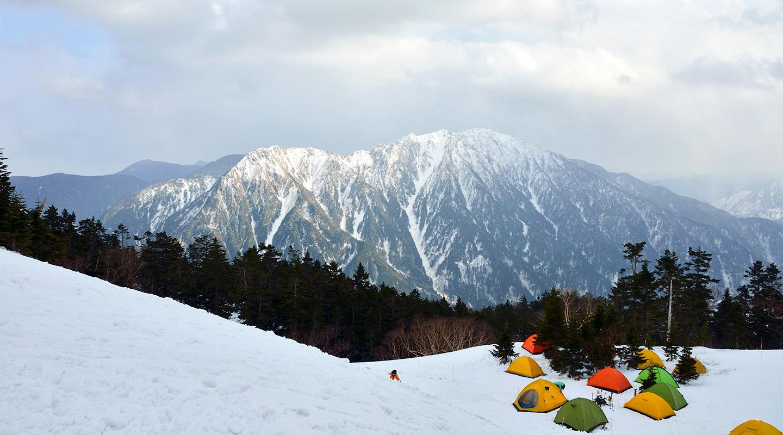 西穂山荘 テント場 厳冬期