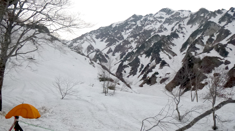 ゴールデンウィーク 雪山登山 北アルプス 白馬尻BC