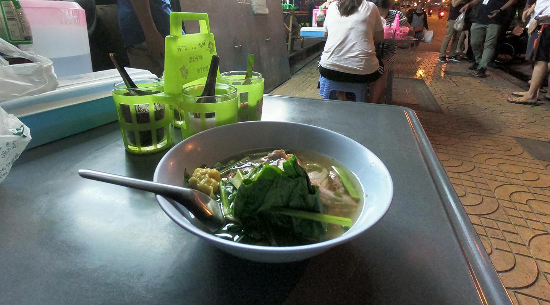 タイ バンコク 屋台の麺