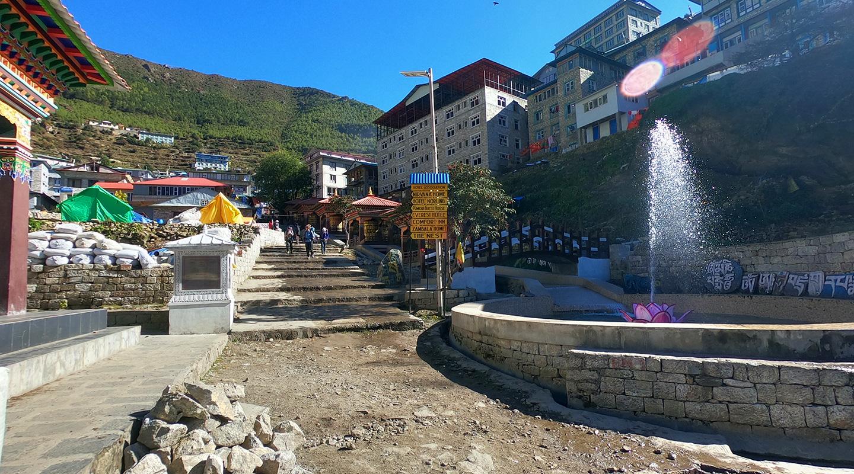 ナムチェ ネパール トレッキング