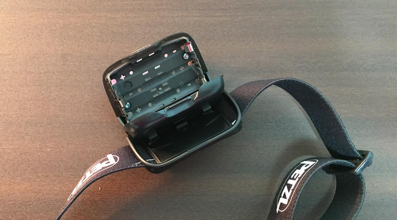 ペツル ヘッドライト バッテリー