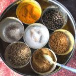 ネパール 食事 スパイス